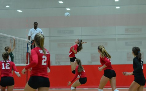 Girls' volleyball stays positive despite loss to LT