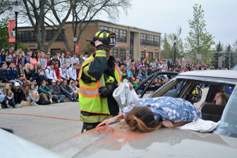 Mock Drunk Driving Car Accident Encourages Post-Prom Safety