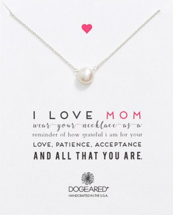 This simple pendant necklace is a timeless option to show your appreciation for your mom
