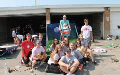 Students construct homecoming floats